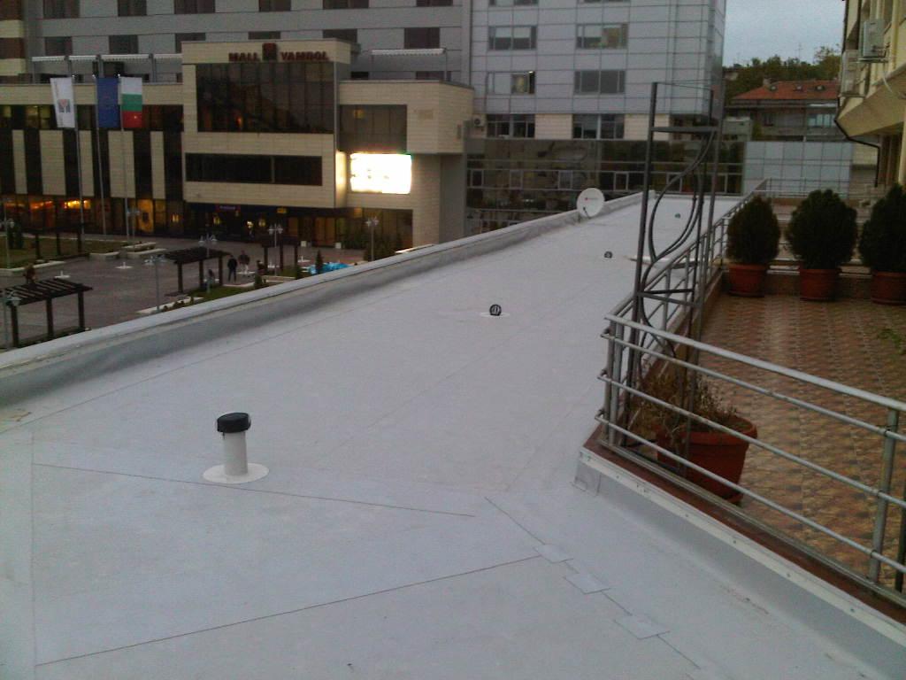 Покрив-CITY-център-Ямбол