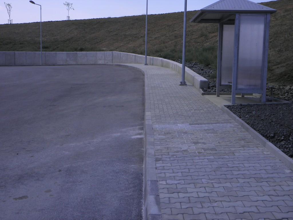 Тротоарни настилки и подпорна стена полигон Ново село