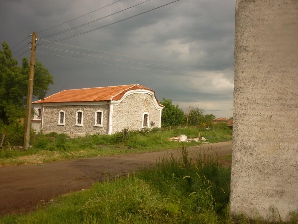 Църква_село_Малко_Шарково_след_реконструкцията-2